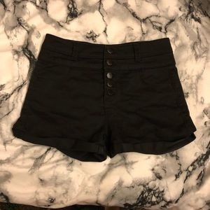Black High Waisted Shorts 5 Button Tier